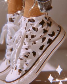 Dr Shoes, Hype Shoes, Me Too Shoes, Shoes Heels, Aesthetic Shoes, Aesthetic Clothes, Gold Aesthetic, Mode Converse, White Converse