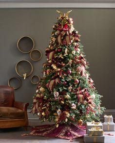 Our Noel decorating theme turns the flair for luxury into easy everyday elegance.
