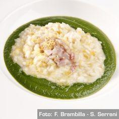 Zuppa di broccolo nero, risotto al limone di Sorrento, triglie marinate allo zenzero. Chef Gennaro Esposito http://www.identitagolose.it/sito/it/ricette.php?id_cat=12&id_art=1514&nv_portata=21&nv_chef=&nv_chefid=&nv_congresso=&nv_key=&nv_pg=1