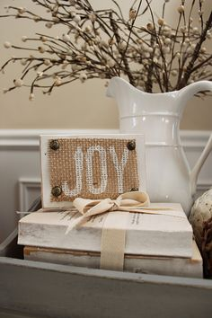 I need to get some burlap for my Christmas projects. This is one of them!
