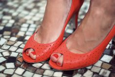 Perforated peep toes