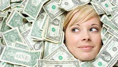 Domyślasz się jakie mogą być najbardziej nietypowe wydatki na jakie pozwolili sobie zwycięzcy. Z reguły zwycięzcy w Lotto wydają swoje pieniądze na podobne cele jak dom, samochód, lokata w banku, wakacje.