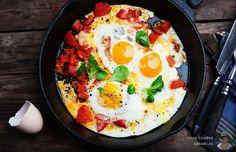 Жарим яйца на сковороде - тонкости приготовления 6 вкуснющих и простых блюд - http://takioki.ru/kak-pozharit-yajtsa-na-skovorode/