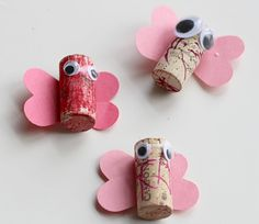 cork butterflies Kids Crafts, Recycled Crafts Kids, Recycled Art Projects, Bug Crafts, Diy Arts And Crafts, Preschool Crafts, Animal Art Projects, Toddler Art Projects, Recycling Projects For Kids