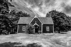 Church of Seili, an island of lepers. Creepy Stuff, Finland, Photo Galleries, Cabin, House Styles, Gallery, Home, Decor, Creepy Things