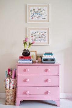 Decoração: Cômoda cor de rosa