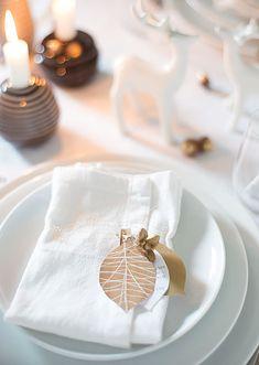 menükarten in blätteform http://www.wunderschoen-gemacht.de/shop/jurianne-matter/527-6er-set-anhanger-blatter.html herbstlaubgoldiges dinner im wald