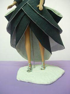 EXPOSICION DE VESTIDOS DE PAPEL Barbie, Fashion, Paper Dresses, Zaragoza, Exhibitions, Paper Envelopes, Patterns, Moda, Fasion