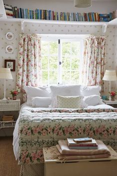 Louise Townsend S Idyllic English Country Home - Schlafzimmer English Country Decor, English Country Cottages, English Cottage Style, French Country, French Cottage, French Farmhouse, Vintage Country, Country Chic, Country Living