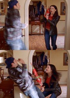 "Gilmore Girls - ""How to protect your home, Lorelai Gilmore style. Gilmore Girls Funny, Gilmore Girls Quotes, Luke And Lorelai, Lorelai Gilmore, Team Logan, Glimore Girls, Lauren Graham, Movies Showing, My Girl"