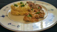 Biff & bacongryte med potetmos  Potetmos:  16 poteter  3 dl fløte  1-2 dl melk  50 g smør  Sa...
