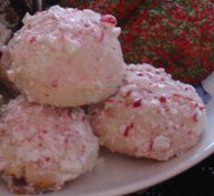 Peppermint Snowballs Cookies Recipe, How To Make Peppermint Snowballs, Molded Cookies, Cookie Recipes, Christmas Cookie Recipes