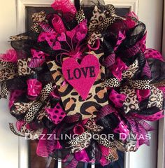 Valentines Leopard and Cheetah Wreath: Burlap, Hot Pink, Animal print! Valentine Day Wreaths, Valentine Decorations, Valentine Crafts, Holiday Wreaths, Holiday Crafts, Valentines, Holiday Decor, Spring Wreaths, Christmas Decor