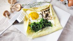 These are absolutely delicious!Savory Mushroom and Goat Cheese Crepes. #crepes #breakfast #eggs