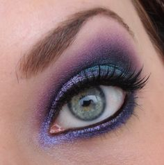 I think that these blue eyes are perfect for a template/makeup playdate!! You could do SO much with these eyes!