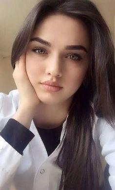 adolescent Latina lesbienne porno