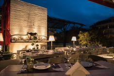 4 ωραία μπαλκόνια για να γευματίσεις στην Θεσσαλονίκη | Parallaxi Magazine Thessaloniki, The Good Place, Table Settings, Table Decorations, Nice, Places, Home Decor, Decoration Home, Room Decor