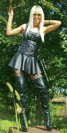 """and bracelets from (You can use the code """"Danalabo"""" for off on your order) High Leather Boots, Leather Corset, High Boots, Leather Skirt, Sexy Outfits, Sexy Dresses, Looks Pinterest, Leder Outfits, Mini Robes"""