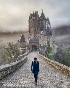 Rest Of The World, Travel Around The World, Around The Worlds, Places To Travel, Travel Destinations, Places To Visit, Beautiful Castles, Secret Places, Tower Bridge