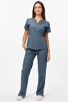 Lupe poly petroleo con naranja – oh! Spa Uniform, Scrubs Uniform, Scrubs Pattern, Stylish Scrubs, Medical Uniforms, Hospital Uniforms, Scrubs Outfit, Nurse Costume, Uniform Design