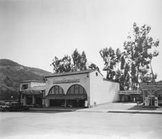 Hollywoodland Stores