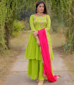 Indian Gowns Dresses, Indian Fashion Dresses, Dress Indian Style, Pakistani Dresses, Punjabi Suits Designer Boutique, Indian Designer Suits, Afghan Clothes, Afghan Dresses, Stylish Dresses For Girls