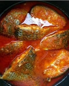 Fish Stew: How To Cook Fish Stew Nigerian Stew, Nigerian Food, African Stew, West African Food, Easy Cooking, Cooking Recipes, Healthy Recipes, Cooking Fish, Cooking Bacon