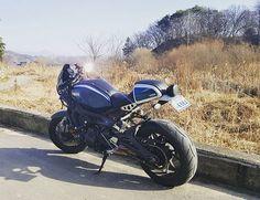 #caferacer #yamahacaferacer #yamahaxsr900 #xsr900 #yamahamotorcycles #riders #riding #motocycle 팔당 돌아 남한강 따라서 한바퀴 돌아온 날. 따뜻해서 다행!