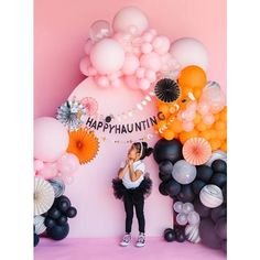 Halloween can be fun for all ages! This Happy Haunting banner will make any happy Halloween party look Insta-ready, not to mention the smile on your kiddos face's will be nothing short of priceless. The black glitter HAPPY HAUNTING gives it a little extra sparkle.Product Details: Happy Haunting with Halloween icons, approximately 5' long Black Glitter Halloween Backdrop, Halloween Balloons, Halloween Cans, Halloween Garland, Adult Halloween Party, Halloween Birthday, Halloween Season, Diy Halloween Decorations, Cute Halloween