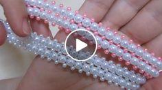 Olá meninas!!! Finalmente consegui gravar mais um vídeo da série de tiaras/headbands de pérolas. Espero que gostem Headband Tutorial, Bracelet Tutorial, Hairband, Headbands, Diy Jewelry Projects, Jewelry Crafts, Wire Wrapped Bracelet, Beaded Bracelets, Decorating Flip Flops