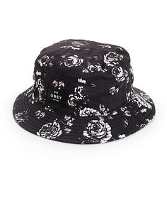 Cut from a lightweight and comfortable cotton construction, this bucket hat is adorned in an allover floral print finished with an Obey patch on the crown.