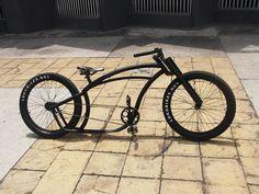 All black men's bike Velo Vintage, Vintage Bikes, Cruiser Bicycle, Mtb Bike, Cool Bicycles, Cool Bikes, Hybrid Electric Bike, Custom Beach Cruiser, Trike Scooter