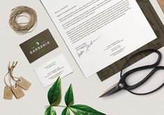Leaves and a shovel mixed into a logo signet plus elegant geometrical typography made an amazing identity design for Italian based plant nursery. Designed by Luca Fontana Powyżej: projekt identyfik…