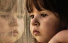 La inseguridad en la infancia puede tener graves consecuencias a largo plazo como la inestabilidad, la agresividad o la tristeza. Aprende a detectarla.