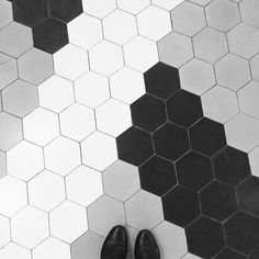 H E X A G O N  #acehotel #shoreditch #hexagon #hexagontiles #ihavethisthingwithtiles #ihavethisthingwithfloors #fromwhereistand #lookingdown #tiles #tileaddiction #tile #tilework #floor #bw_society #bnw #bnw_life by melissahegge