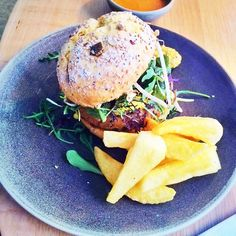 Lunch time - vegan burger at GreenPoint vegetarian restaurant ;) #veganfoodshare #vegan #delicious #foodie #blogger
