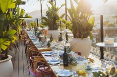 Hollywood Rooftop Wedding at Mama Shelter – with a Modern Tropical Twist! Rooftop Wedding, Modern Tropical, Dream Wedding, Chic Wedding, Little White Dresses, Green Wedding Shoes, Wedding Styles, Boho Chic, Table Settings