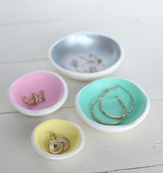 Air Dry Clay Jewelry Bowls | Store knickknacks and jewelry in these colorful clay bowls! | Maker Crate #jewelry #clay #diy