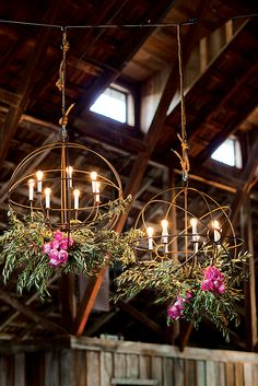 We all know that hula hoops can exercise and make our bodies slim. There are so many interesting and creative things you can do with them! Hula Hoop Chandelier, Hoop Wall Decor, Giant Christmas Wreath, DIY Dream Catcher and so on! Lustre Floral, Floral Chandelier, Diy Chandelier, Iron Chandeliers, Hula Hoop Chandelier, Christmas Chandelier, Chandelier Wedding, Outdoor Chandelier, Christmas Lights