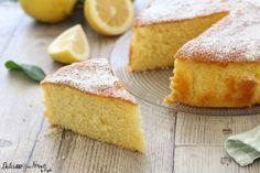 La ricetta della Torta soffice al limone, anzi della Torta al limone più soffice del mondo. Una ricetta senza burro, profumata e genuina ! La amerete !
