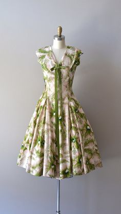 vintage dress / silk dress / Whisk Fern by DearGolden, Life Style 1950s Party Dresses, 1950s Outfits, Vintage 1950s Dresses, Retro Dress, Vintage Outfits, Vintage Clothing, 1950s Fashion, Vintage Fashion, Club Fashion