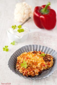 Blumenkohl-Puffer sind leicht zubereitet. Das Rezept reicht für 4 Portionen bzw. 12 kleine Puffer