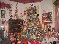 Christmas Tree House  Kokomo, In Disney Tree