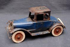 Antique Pressed Steel Kingsbury Wilkins Wind-Up Toy Coupe Car ca.1929