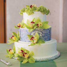 Inspirations+Custom+Cakes+by+Lisa | photo by: Sarah Postma Photography // Cake: Chocolate Carousel