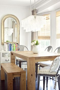 Cozy industrial meets french farmhouse- could there be a more welcoming breakfast nook??