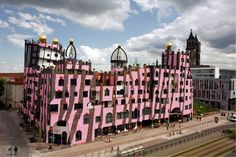 Nurvero, La vie en classe, art en classe ; Hundertwasser;