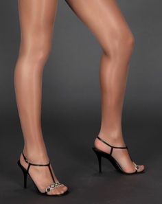 Glanzstrumpfhose-nude-haut-glossy-glaenzende-Nylons-Party-Outfit-Fastnacht-Kostuem