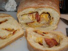 Receta Pan relleno de bacon, pollo y queso
