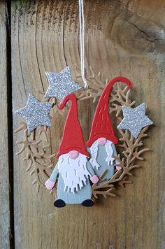 Christmas Cards 2018, Homemade Christmas Cards, Xmas Cards, Christmas Makes, Christmas Gnome, Christmas Crafts, Christmas Ornaments, Marianne Design Cards, Handmade Tags
